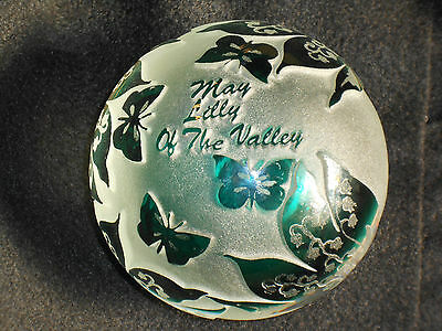 Pilgrim Glass / Kelsey Murphy / cameo carved / paperweight / Lily of the Valley