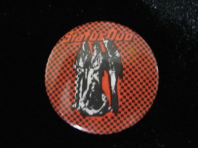 Status Quo-Group Shot-Checkered-Small-Button-80's Vintage-Rare