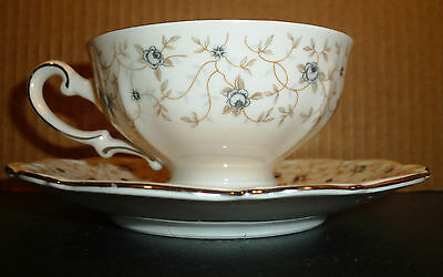 Lady Linda Footed Cup & Saucer (Set of 6 w/ 2 extra saucers) by Mitterteich