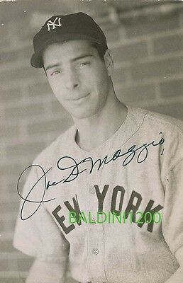 JOE DiMAGGIO SIGNED 10X8 PHOTO,  GREAT STUDIO SHOT IMAGE, LOOKS GREAT FRAMED