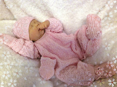 BABY KNITTING PATTERN #10 by Julie Ware