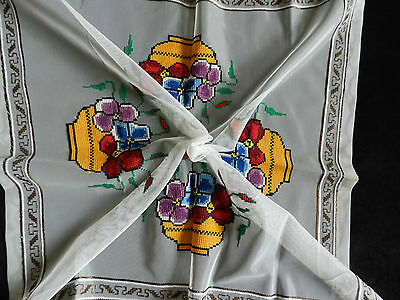 """vintage tablecloth small hand embroidered. Dimensions 27""""/27.5""""  n3286"""