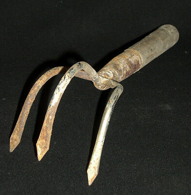 Antique Wooden Handle Gardening Cultivating Claw Hand Rake (P4)