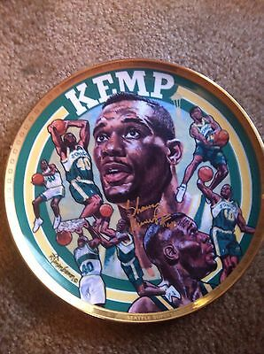1994 Sports Impressions Shawn Kemp 10.25 Inch Gold Trimmed Collectors Plate.