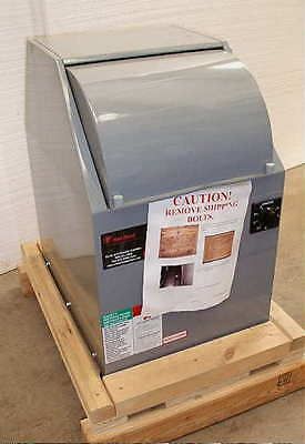 Brand New Red Devil 1015-SQ 1 gal / Qt Paint Shaker with 1 Yr. Warranty