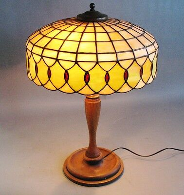 Very Fine Antique Geometric Stained Glass Lamp  c. 1920  Wood Base  Exc. Cdn