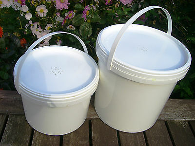 2 x CONTACT / BUCKET FEEDERS - 1 x 2.5L (Half gallon) and 1 x 5L (Gallon)