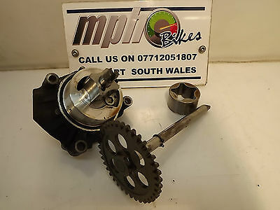 Kawasaki Zx9R E 2000 Oil And Water Pump Assembly With Drive In Good Condition