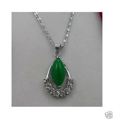 Beautiful green jade oval shaped pendant necklace