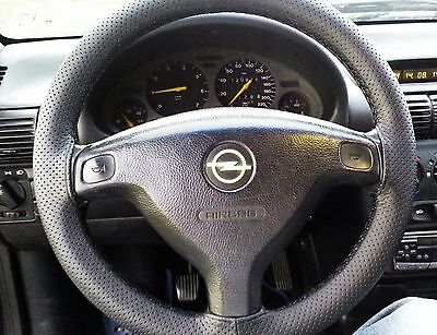 Fits Vauxhall Astra G Mk4 Black Perforated Italian Leather Steering Wheel Cover