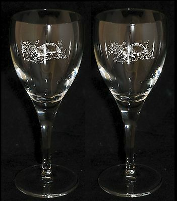 *BADGER GIFT*  Boxed PAIR WINE GLASS with BADGER COUNTRYSIDE design