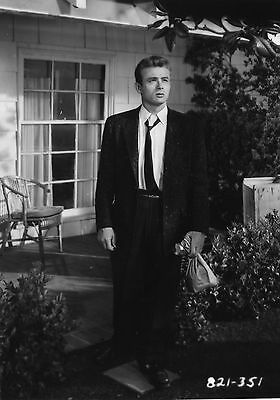 REBEL WITHOUT A CAUSE JAMES DEAN NATALIE WOOD 8X10 PHOTO #D1238