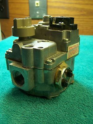 Robertshaw gas valve 7000 ADER-S7A 388-501-824 Lennox pulse 77C1701 11G2901
