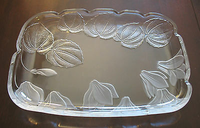 Mikasa Crystal Frosted Clear Glass Serving Dish Appetizer Hors d' Oeuvre Platter