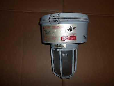 CROUSE HINDS VMVM175/MT EXPLOSION PROOF LIGHT LAMP 175W 120/208/240/277V two