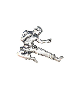 Karate Finely Handcrafted in Solid Pewter In UK Lapel Pin Badge