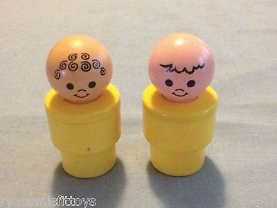 """LOT OF 2 Vintage 1974 Fisher Price Large 3 1/2"""" (BIG) Little People DIFFERENT"""