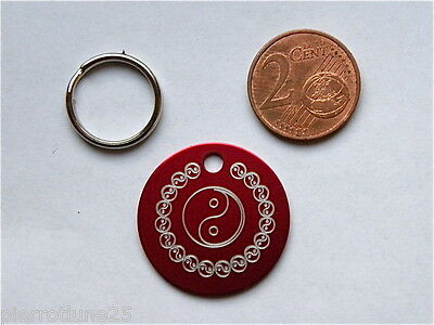 1 MÉDAILLE GRAVEE YING YANG ROUGE chat chien 25 mm collier gravure offerte