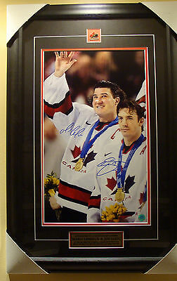 Mario Lemieux Joe Sakic 2002 Olympics Team Canada Dual Signed 30x20 Photo Frame