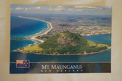 Mt. Maunganui - New Zealand - Collectable - Postcard