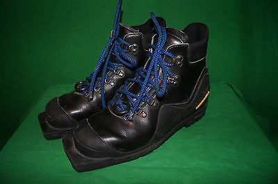 Merrell Telemark Cross Country Ski Boots 3 Pin Size 8.5 MENS 10 WOMENS EUR 42