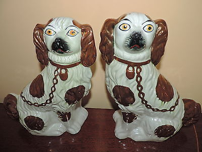 PAIR OF VINTAGE STAFFORDSHIRE SPANIELS MANTLE / FIRESIDE DOGS