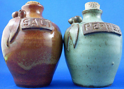LES PETERKIN Signed Hand-crafted GUMNUT Pottery Shakers Set VG - In Australia