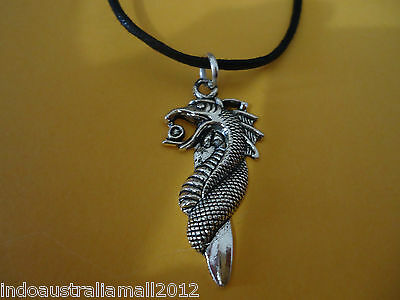 Chinese  Antique Silver Alloy Dragon Jewelry Pendant on Black Cord K10003)