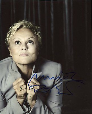 AUTOGRAPHE SUR PHOTO 20 x 25 de Muriel ROBIN (signed in person)