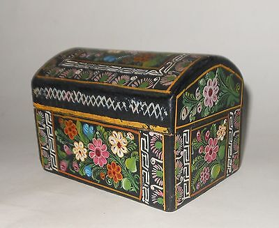 """OLD LACQUERED WOODEN BOX MEXICAN FOLK ART - OLINALA GUERRERO - 4 1/4"""" LARGE"""