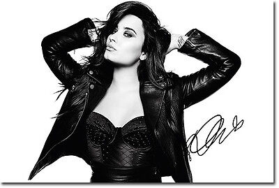 DEMI LOVATO - SIGNED PHOTO PRINT POSTER 2 - HIGH QUALITY -