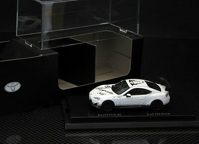 1:64 toyota new 86GT white with wing limited 199pcs