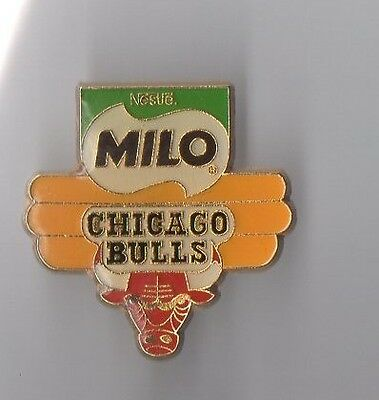 Pin's basket ball / équipe Chicago Bulls - Milo de Nestlé