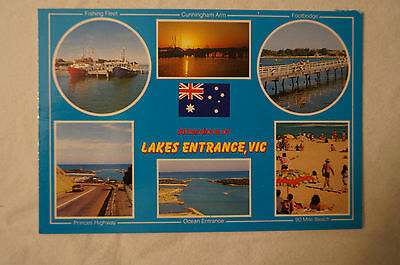 Attractions of Lakes Entrance - Victoria - Collectable - Postcard.