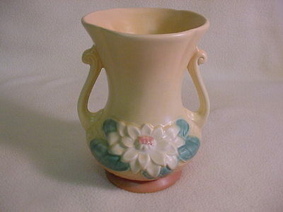 Hull Water Lily Vase L4-6 1/2
