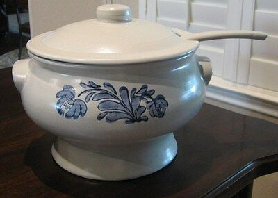 "Pfaltzgraff ~ Vintage ""YORKTOWNE"" LIDDED SOUP TUREEN with LADLE"