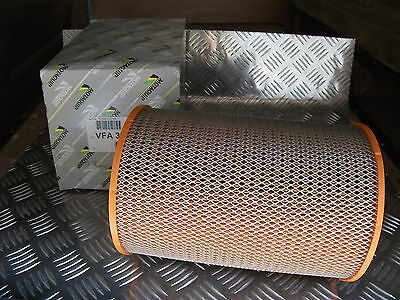 IVECO DAILY 35.8 2.5D NEW AIR FILTER