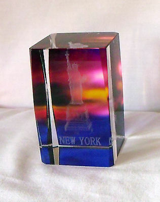 "STATUE OF LIBERTY PAPERWEIGHT, New York, Clear Acrylic 3-D Etched, 2""x 2"" x 3"""