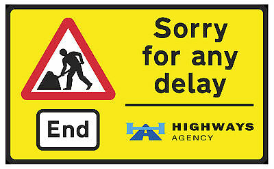 BRAND NEW -  NOVELTY FRIDGE MAGNET TURN RIGHT AHEAD ROAD SIGNS