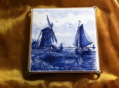 DELFT BLUE HAND PAINTED WINDMILL TILE TRIVET IN METAL STAND DIRECT f/ HOLLAND