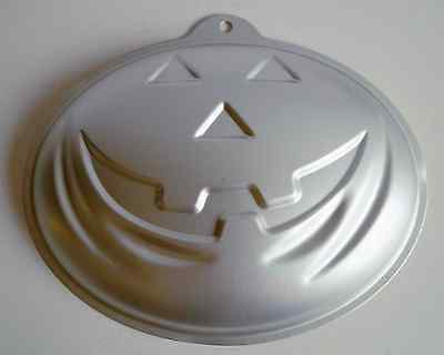 HALLOWEEN Pumpkin, Novelty Aluminium Cake Tin- Produce Cake Sized: 25cm x 18.5cm