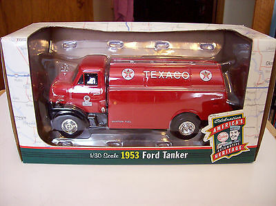 Ertl Texaco 1953 Ford Tanker Die Cast  1/30 Scale  NIB