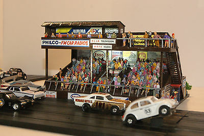 AURORA MoDEL MoToRING GRANDSTAND RESTORED by AFX DRIVER has 250 PEOPLE