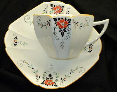 SHELLEY QUEEN ANNE RED DAISY TEA CUP AND SAUCER