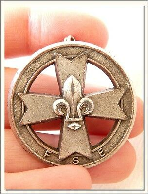 ANTIQUE 1920's FRENCH MALTESE CROSS & FLEUR DE LIS ROUND BROOCH ! SEE MORE !