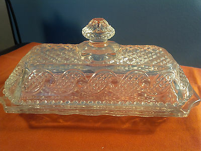 GLASS COVERED BUTTER DISH NICE VINTAGE AVON CRYSTAL CLEAR   (v)