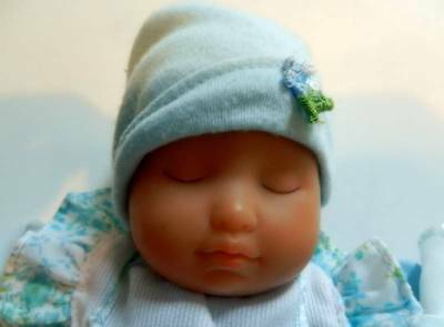 Zaph Creations Blue Baby Doll Sleeping with Blue Outfit, Bow Hat