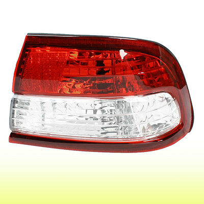 26550-0L725 Auto Car Plastic Tail Light Rear Lamp Right Side Clear Red Lens