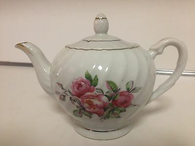 Napcoware Vintage White Floral Tea Pot - Made In Japan