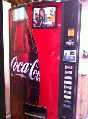 Coca Cola / Drink / Soda Vending Machine - Works Fine - Limited Time Discount!!